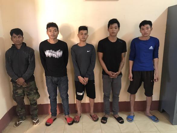 Bắt 5 lâm tặc vây chém kiểm lâm Vườn quốc gia Yok Đôn - Ảnh 1.