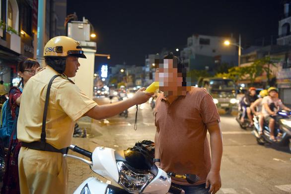 Năm 2019, TP.HCM có hơn 4.400 vụ tai nạn do tài xế uống rượu bia - Ảnh 1.