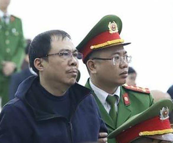 Đề nghị phạt ông Phạm Nhật Vũ 3-4 năm tù về tội đưa hối lộ - Ảnh 1.