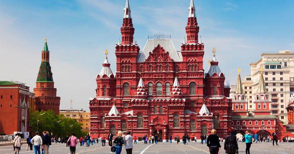 Chuyện kỳ lạ ở nước Nga: Người dân Moskva đón Giáng sinh không tuyết - Ảnh 1.