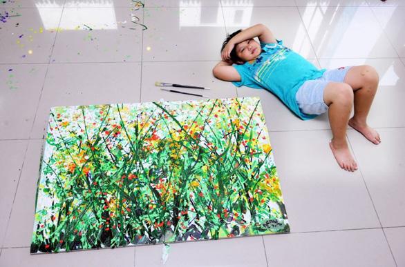 Xèo Chu - Thần đồng hội họa Việt được ví như danh họa Pollock - Ảnh 1.