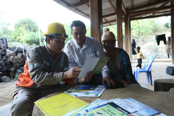 Đóng điện 15 thôn bản vùng cao huyện Mường Nhé, Điện Biên - Ảnh 4.