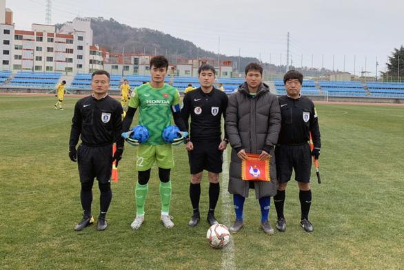 U23 Việt Nam thắng CLB Busan Transportation Cooperation 3-2 - Ảnh 1.