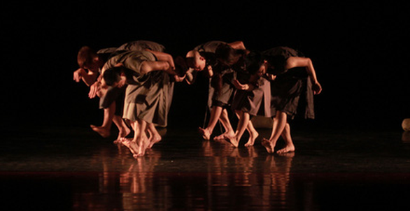 Đa thức: Nghệ sĩ múa thèm khát điều gì? Làm thế nào để chế ngự sân khấu? - Ảnh 2.