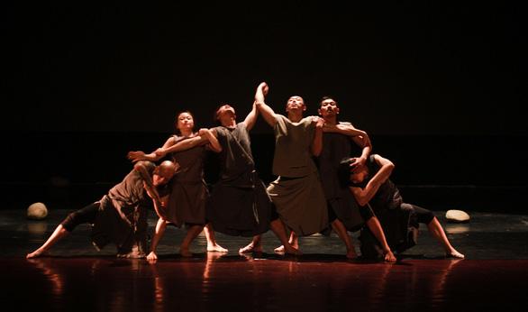 Đa thức: Nghệ sĩ múa thèm khát điều gì? Làm thế nào để chế ngự sân khấu? - Ảnh 1.