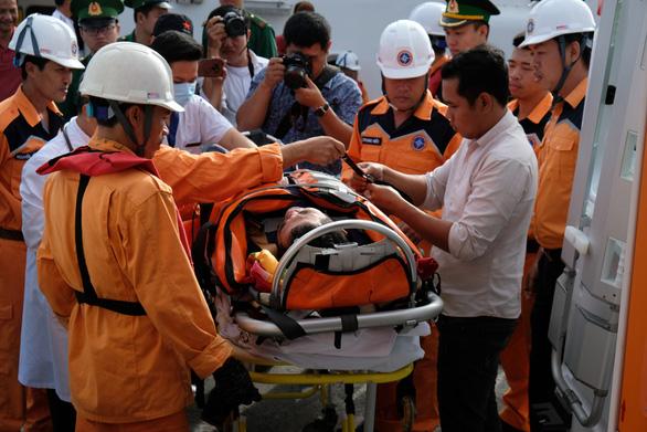 Cứu thủy thủ Indonesia nguy kịch trên biển Đông - Ảnh 1.