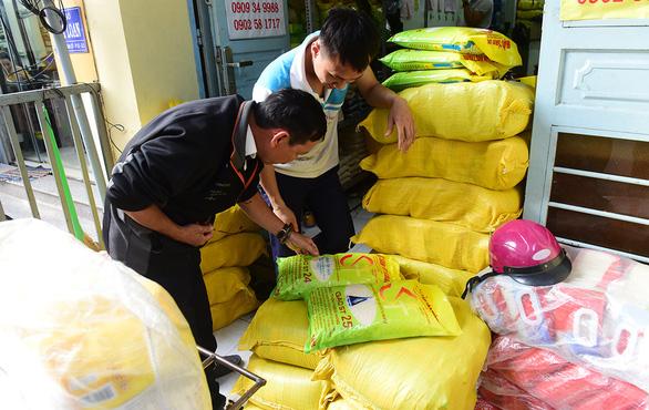Mới về Việt Nam 3 ngày, kỹ sư Cua thấy tràn lan gạo ST25 dỏm, sang tới Mỹ - Ảnh 5.