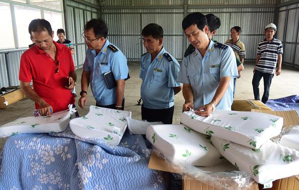 Báo động hàng made in Vietnam nhưng nguồn gốc ở đâu đâu - Ảnh 2.