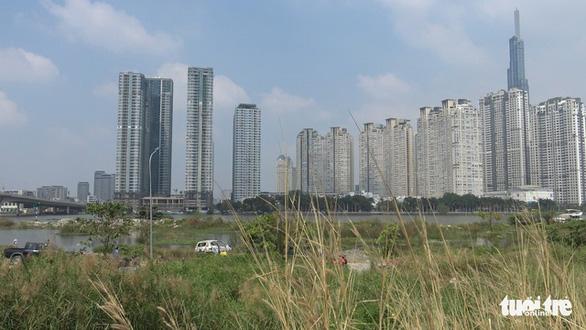 1 phụ nữ Hàn Quốc nghi bị sát hại, cướp của ở quận 7 rồi đốt xe hơi - Ảnh 5.