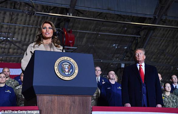 Ông Trump chính thức ký luật quốc phòng 738 tỉ USD, lập lực lượng không gian - Ảnh 2.