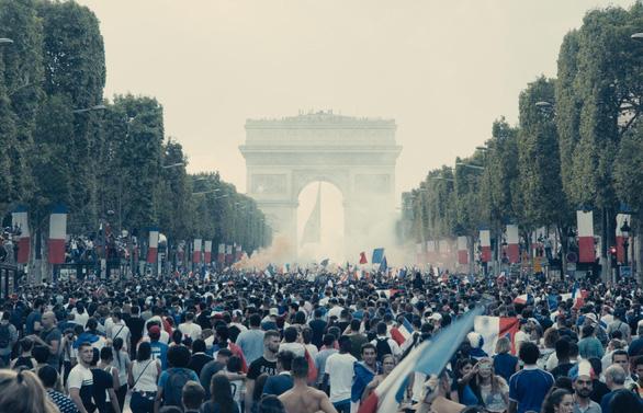 Les Misérables: Phim về lớp trẻ nổi loạn ở ngoại ô gây chấn động tổng thống Pháp - Ảnh 4.