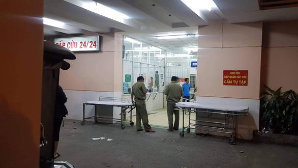 Bệnh nhân nghi nổ súng tự sát tại Bệnh viện Trưng Vương - Ảnh 1.