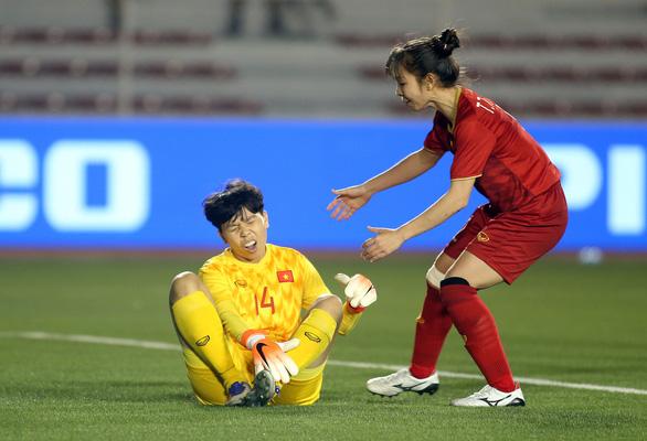 Đừng hứa nữa, hãy chuyển tiền cho đội tuyển nữ Việt Nam - Ảnh 3.