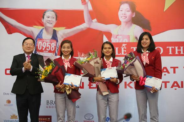 Quỹ hỗ trợ tài năng trẻ Việt Nam trao thưởng 350 triệu đồng cho đội tuyển điền kinh - Ảnh 2.