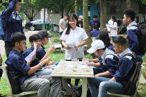 Trường tự chủ, giảng viên thu nhập 63 triệu/tháng - Ảnh 1.