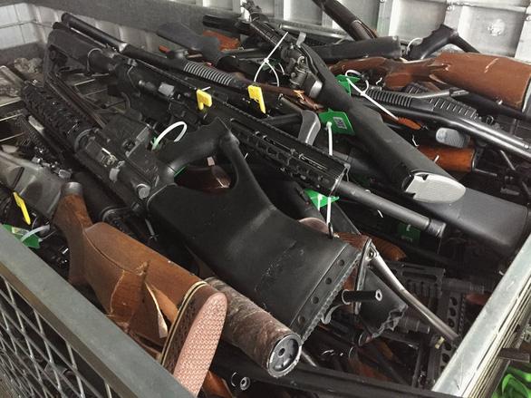 Thu gom hơn 56.000 vũ khí trong 6 tháng - Ảnh 1.