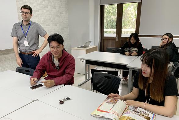 Trường tự chủ, giảng viên thu nhập 63 triệu/tháng - Ảnh 5.