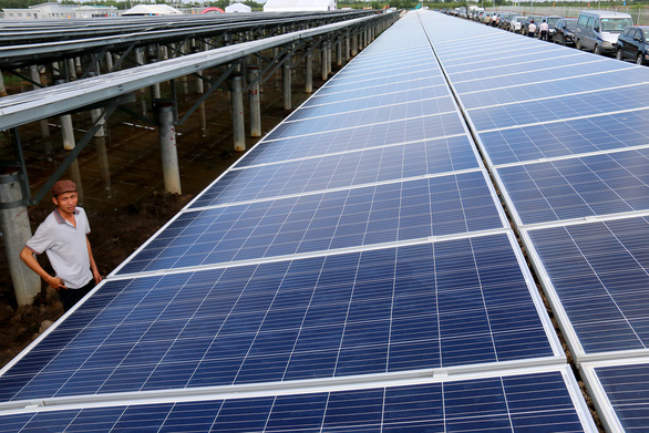 Lo điện mặt trời tiếp tục hạ giá, 27 nhà đầu tư đồng loạt gửi kiến nghị tới Thủ tướng - Ảnh 2.