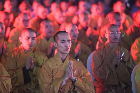 Xúc động lễ cầu siêu 60 liệt sĩ thanh niên xung phong hi sinh đêm Noel - Ảnh 2.