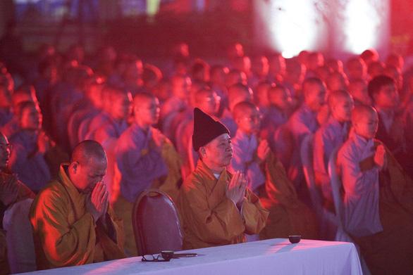 Xúc động lễ cầu siêu 60 liệt sĩ thanh niên xung phong hi sinh đêm Noel - Ảnh 3.