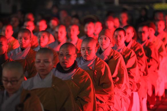 Xúc động lễ cầu siêu 60 liệt sĩ thanh niên xung phong hi sinh đêm Noel - Ảnh 6.