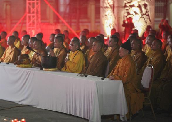 Xúc động lễ cầu siêu 60 liệt sĩ thanh niên xung phong hi sinh đêm Noel - Ảnh 7.