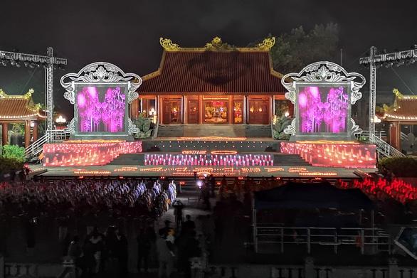 Xúc động lễ cầu siêu 60 liệt sĩ thanh niên xung phong hi sinh đêm Noel - Ảnh 1.