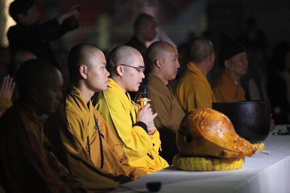 Xúc động lễ cầu siêu 60 liệt sĩ thanh niên xung phong hi sinh đêm Noel - Ảnh 5.