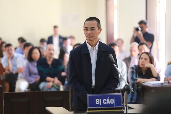 Tiếp tục hoãn phiên tòa xét xử cựu chánh Thanh tra Bộ Thông tin - truyền thông - Ảnh 1.
