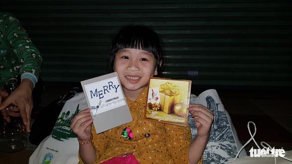 Tình người sưởi ấm đêm lạnh Sài Gòn mùa Giáng sinh - Ảnh 6.