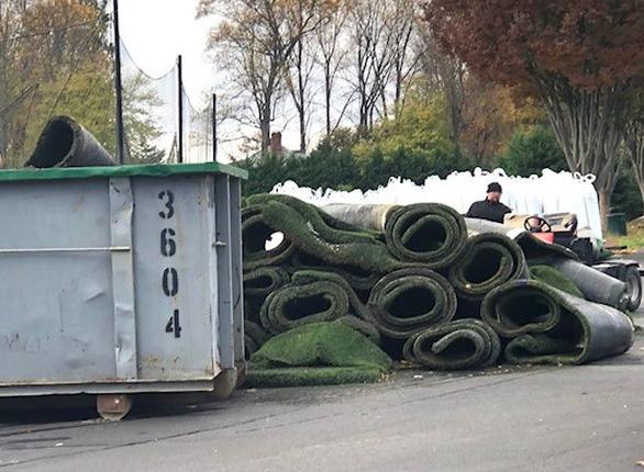 Người ta làm gì với thảm cỏ nhân tạo bỏ đi? - Ảnh 5.