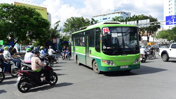 Đề xuất ngưng chạy xe buýt ở TP.HCM để phòng dịch COVID-19 - Ảnh 1.