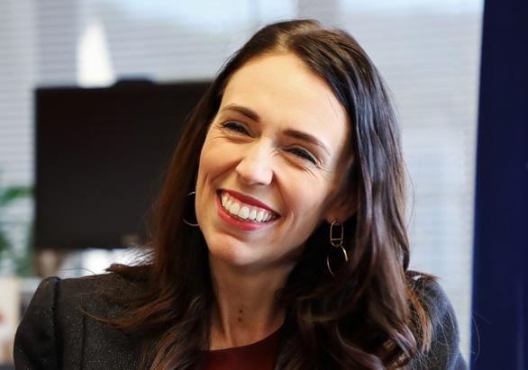 Nữ Thủ tướng New Zealand khuyên Giáng sinh rời điện thoại để chia sẻ với gia đình - Ảnh 1.