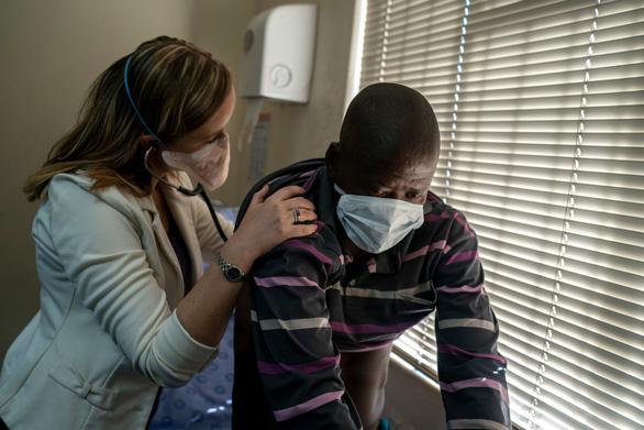 Thế giới trải nghiệm 9 vấn đề y tế tốt và xấu trong năm 2019 - Ảnh 7.