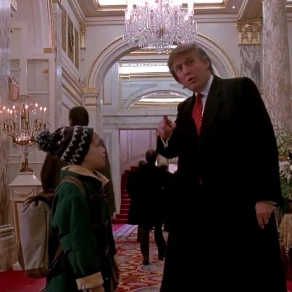 Video Giáng sinh, ông Trump ôn lại kỷ niệm đóng phim Ở nhà một mình 2 - Ảnh 3.