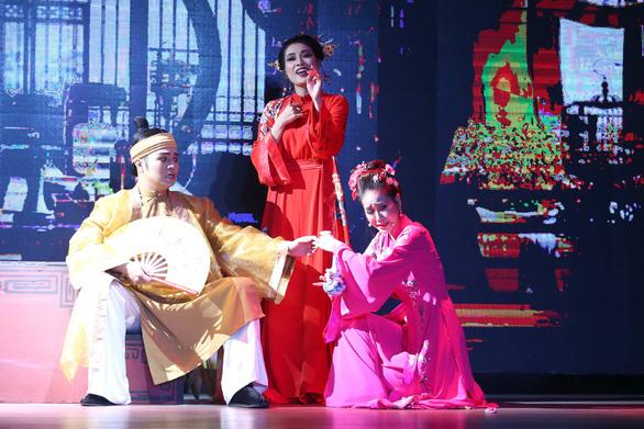 Sân khấu kịch Hồng Vân - Chợ Lớn mở màn với Ngẫm Kiều - Ảnh 1.