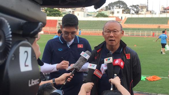 HLV Park Hang Seo: 'Có những rủi ro khi U23 Việt Nam thiếu Văn Hậu' - Ảnh 2.