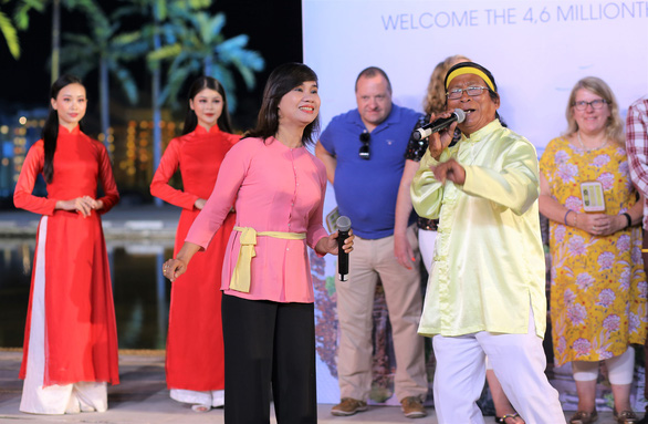 Hô bài chòi đón vị khách quốc tế 4,6 triệu đến Hội An - Ảnh 2.