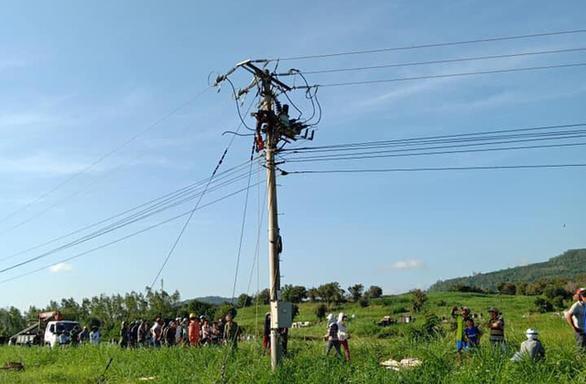Công nhân sửa điện trung áp bị điện giật tử vong - Ảnh 1.
