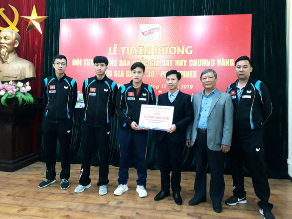 Trao thưởng 200 triệu đồng cho tấm huy chương vàng bóng bàn tại SEA Games 30 - Ảnh 1.