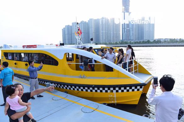 Đầu năm 2020, TP.HCM khởi động tuyến buýt sông số 2 - Ảnh 1.