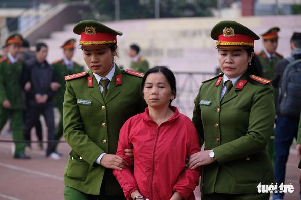 Hàng trăm cảnh sát bảo vệ phiên tòa nữ sinh giao gà bị sát hại - Ảnh 3.