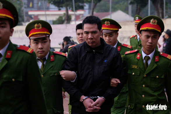 Hàng trăm cảnh sát bảo vệ phiên tòa nữ sinh giao gà bị sát hại - Ảnh 5.
