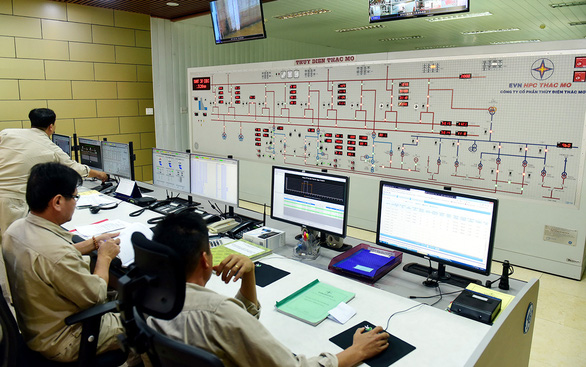 Thủ tướng Nguyễn Xuân Phúc:  Không để thiếu điện là mệnh lệnh - Ảnh 1.