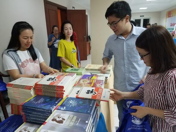 Ra mắt các tác phẩm đoạt giải văn học nghệ thuật TP.HCM - Ảnh 1.