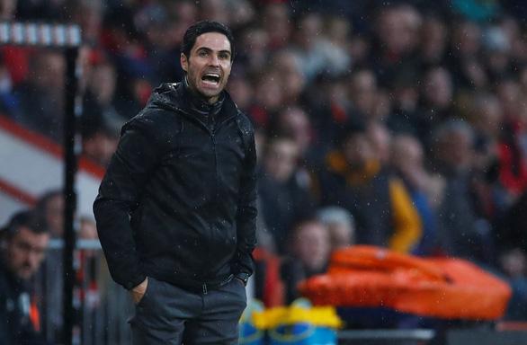 Arsenal thoát thua trước Bournemouth trong ngày HLV Arteta ra mắt - Ảnh 2.