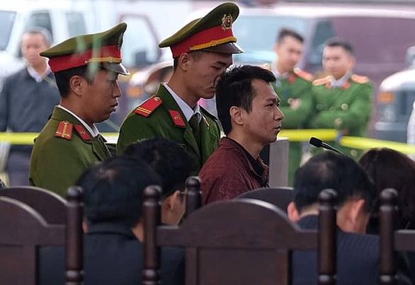 Vương Văn Hùng phủ nhận cưỡng bức nữ sinh giao gà, nói bị ép cung - Ảnh 2.