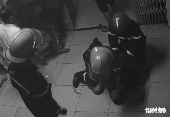 Bệnh nhân châm lửa đốt bệnh viện vì bị nhắc nhở chuyện hút thuốc lá - Ảnh 1.
