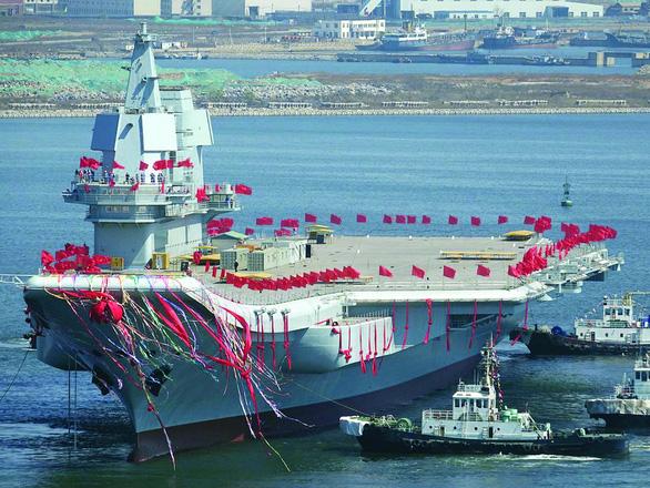 Biển Đông một năm sóng gió: Từ tàu khảo sát địa chất tới tàu sân bay - Ảnh 1.