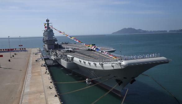 Tàu sân bay Trung Quốc áp sát Đài Loan, Mỹ lên tiếng cảnh báo - Ảnh 1.